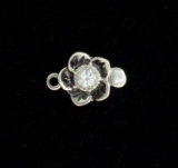 FLOWER WITH WHITE TOPAZ